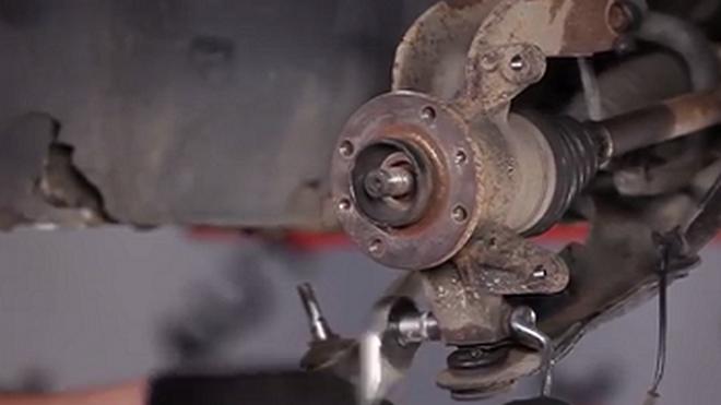 Cómo sustituir un rodamiento de rueda de un Renault Scénic