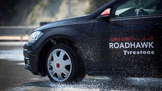 Firestone presenta el neumático Roadhawk en Barcelona