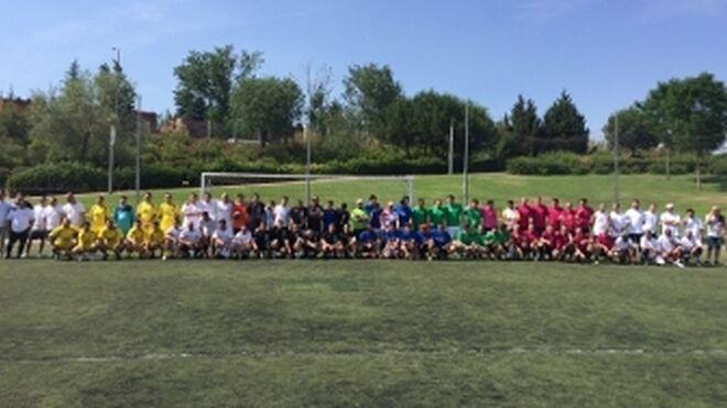 Recambios Vallecas y proveedores juegan al fútbol por su 40 aniversario