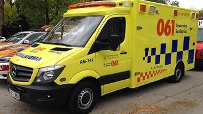 Muere un hombre atrapado entre dos vehículos en un taller de Pontevedra