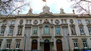 Condenan a tres años de cárcel al vendedor de un concesionario de Santander