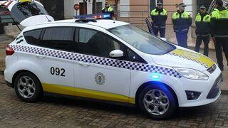 Detenido por rajar las ruedas de diez vehículos en un concesionario de Badajoz