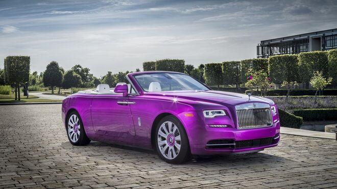 Rolls Royce personaliza el color de la pintura del coche de un empresario