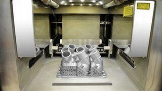 Mercedes imprime en 3D las primeras piezas de metal de repuesto para camión