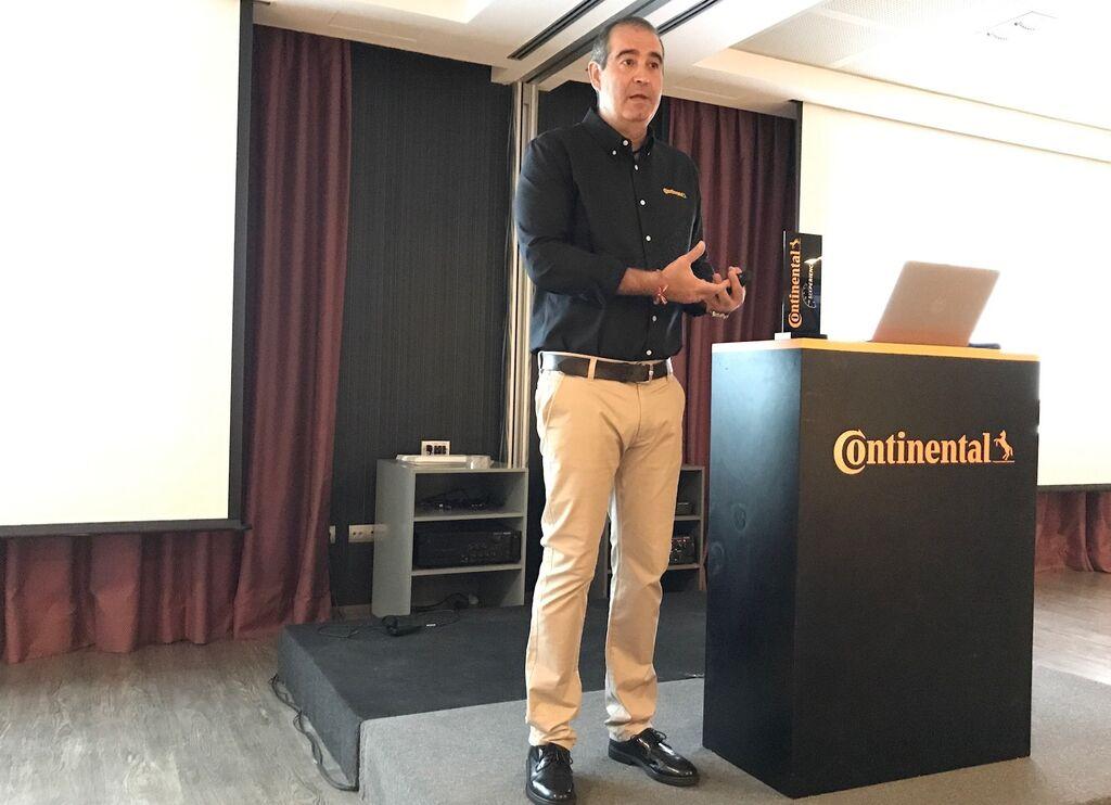 Jon Ander García, director general de Continental Tires España, explicó el gran crecimiento de su compañía,  basada en adquisiciones y un I+D+i elevado, del 6,9% en 2016