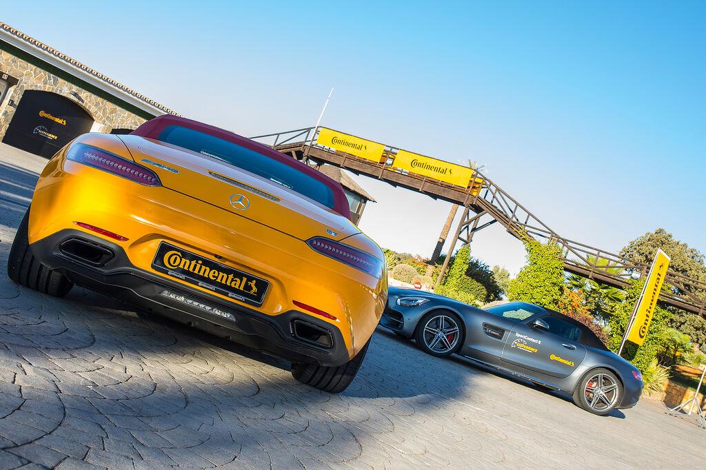 Vehículos deportivos en el circuito de Ascari, escenario de la presentación de la serie 6 de Continental