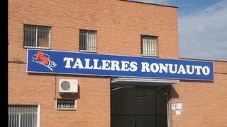Un cliente de Talleres Ronuauto ganador de la promoción Asetra septiembre