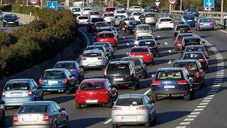 Los vehículos asegurados en octubre crecen el 2,43%