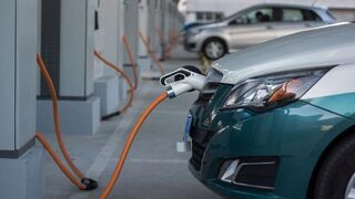 Fomento invierte 2,5 M€ en infraestructuras para coches eléctricos y autónomos