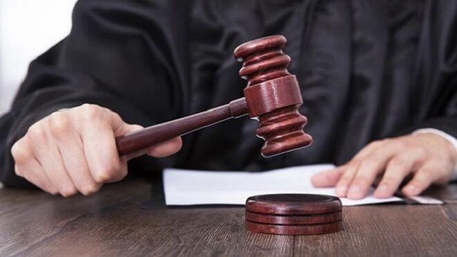 Condenado a un año de cárcel por quedarse con el coche de una clienta