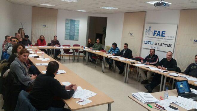Adeabur imparte su tercer curso sobre obligaciones de consumo para talleres