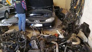 Detenido por robar coches y vender las piezas por internet