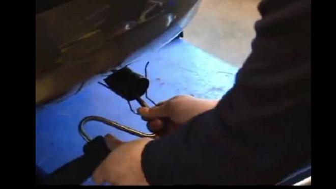 Pasos para analizar los gases de escape del coche