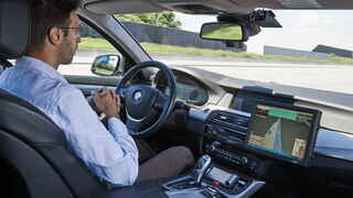 Conducir hoy es hasta 200 veces más seguro que hace 5 décadas