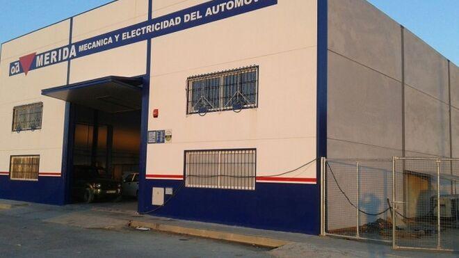 Un taller de Jaén lleva un año sin suministro de luz