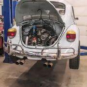 Pasos para restaurar el motor de un Volkswagen Beetle