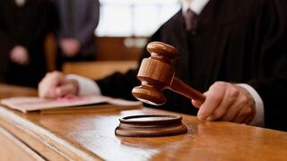 Queda absuelto el trabajador de un concesionario acusado de quedarse con 107.695 €