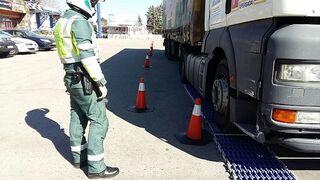 Tráfico se suma a la campaña de vigilancia de Tipsol de camiones y autobuses