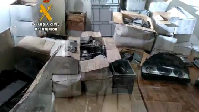 Detienen a un extrabajador de una empresa de recambios por robo de material
