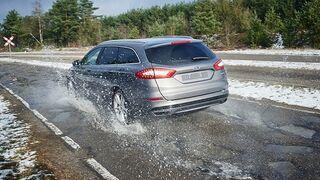 El aumento de socavones en la carretera duplica el riesgo de reventón de neumáticos