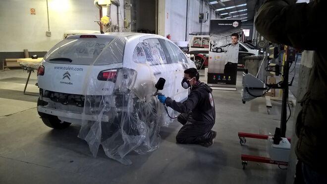 R-M enseña en León las ventajas del UV Light Filler Grey P2530