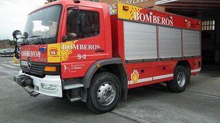 Decenas de coches quedan arrasados en el incendio de un concesionario en Huesca