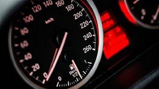 Juzgan al propietario de un taller por alterar el odómetro de dos coches