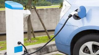 Las ventas de eléctricos crecen el 122% en abril