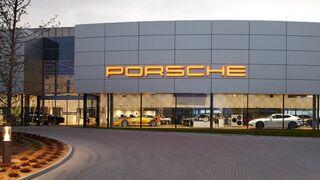 Porsche convierte su concesionario en un centro de experiencias