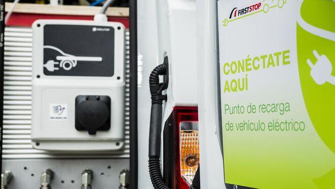 Punto de recarga de vehículo eléctrico First Stop