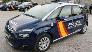 La policía detiene a dos hombres mientras robaban en un taller en Alicante