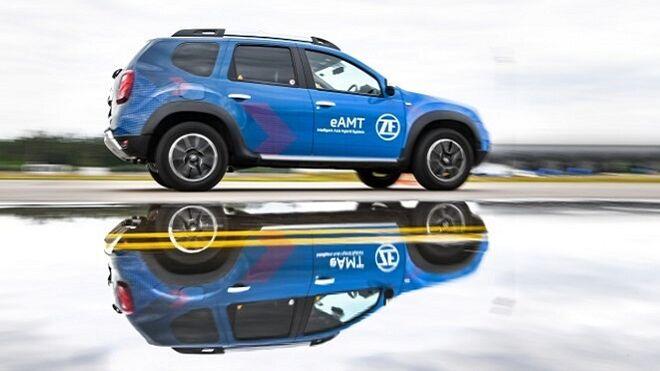ZF presenta un sistema de conversión a híbrido enchufable para vehículos compactos