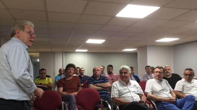 Ancera participa en la reunión de recambistas de Valencia