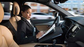 La desconfianza del público en el coche autónomo se reduce en el último año