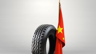 La UE reduce los tipos antidumping de neumáticos de China