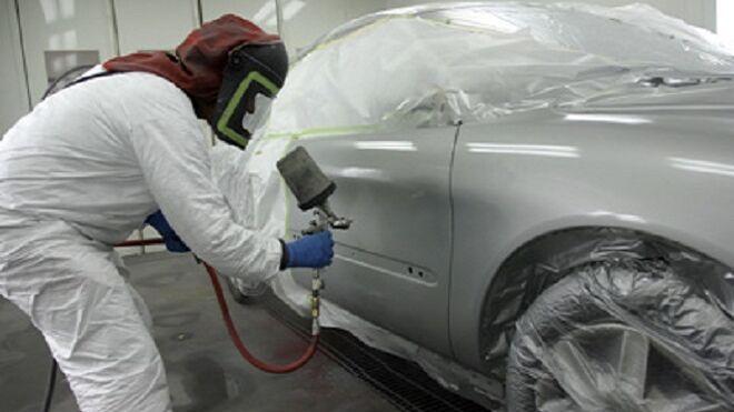 Cómo impedir que aparezcan rayas después de pintar el vehículo