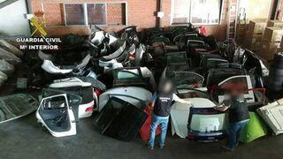 Localizan un taller mecánico como tapadera de una banda de ladrones de coches