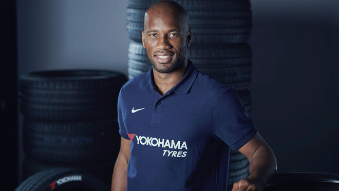 El icono del fútbol internacional Didier Drogba, imagen de la nueva campaña de Yokohama