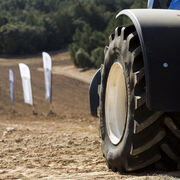VX-Tractor, el nuevo neumático agrícola de Bridgestone