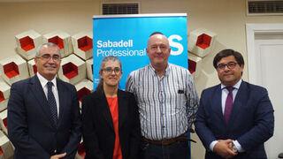 La asociación de talleres APTCOR firma un convenio con SabadellGallego