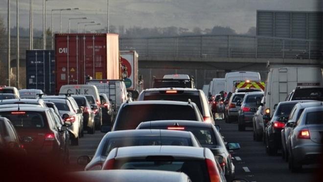 El Gobierno baraja poner fin a las ventas de vehículos de gasolina y diésel en 2040