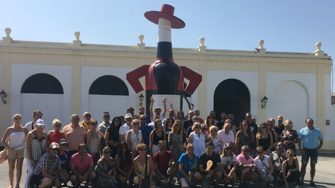 Recambios Móstoles invitó a sus mejores clientes a un viaje a Sevilla