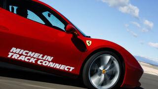 Michelin muestra su Track Connect en el Salón del Automóvil de París