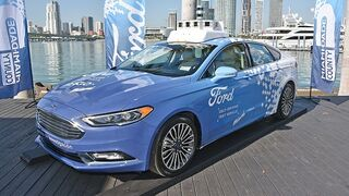 Ford plantea la posibilidad de conducir desde el móvil