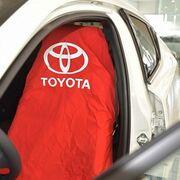 Toyota sustituye las fundas de plástico para los asientos en los talleres