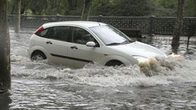 Las averías en los coches por las tormentas colapsan los talleres de Tarragona