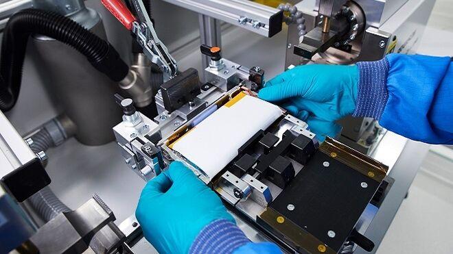 La UE proyecta competir con la producción de baterías eléctricas chinas