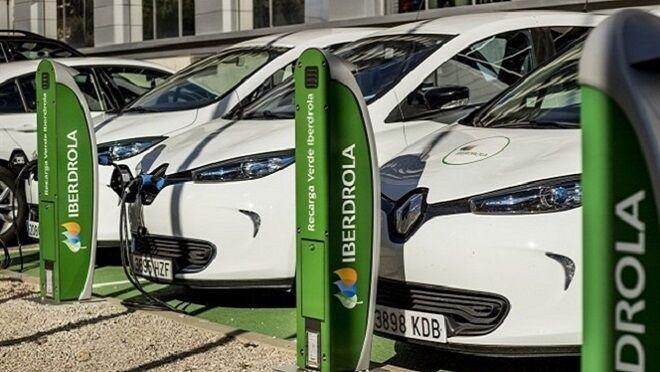Iberdrola y Endesa instalan puntos de recarga para eléctricos en toda España