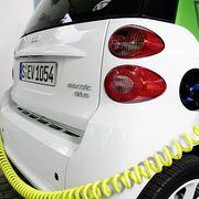 La Comunidad de Madrid lanzará ayudas de 5.500 euros para la compra de coches 'Cero' y 'Eco'