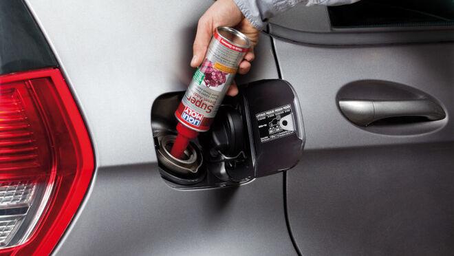 Se recomienda echar una lata de Aditivo Super Diésel al depósito del vehículo cada 2.000 kilómetros